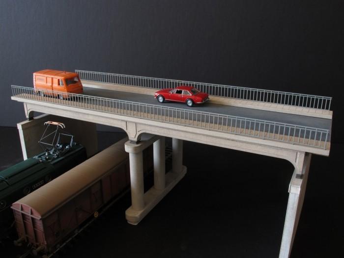 Pont routier poutres béton – Echelle HO
