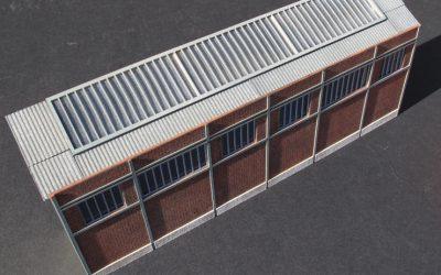 Usine briques creuses / toit verrière (faible profondeur) – Echelle HO